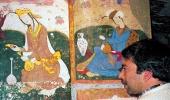 В мастерской иранского художника