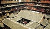 Внутренние строения в квадратном доме