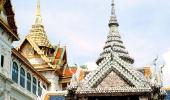 В храме Изумрудного Будды