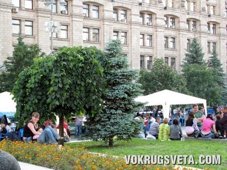 На Майдане Независимости