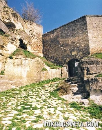 Южные ворота Чуфут-Кале