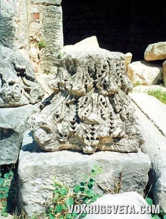 Фрагмент колонны