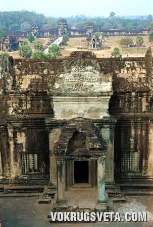«Храм-гора» Байон