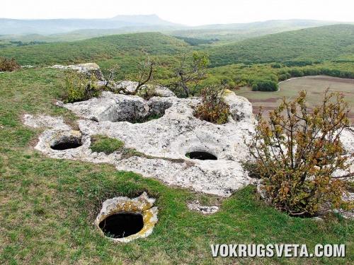 Бакла. Зерновые ямы