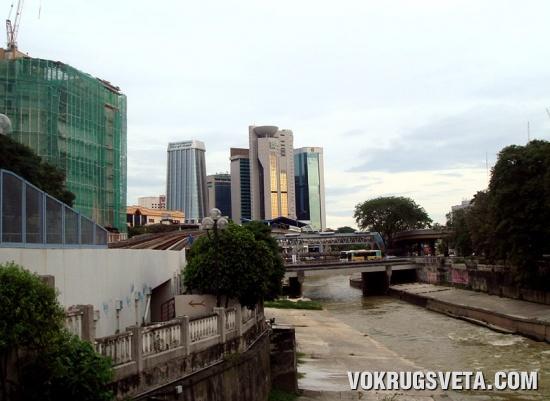 В центре Куала-Лумпура