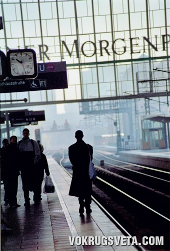 Станция берлинского метро Фридрихштрассе