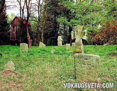 На старом казацком кладбище