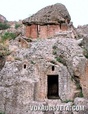 В монастыре Гегард