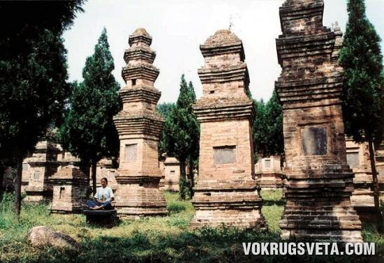 Кладбище монахов