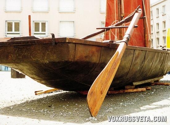 Малая кожаная кельтская лодка