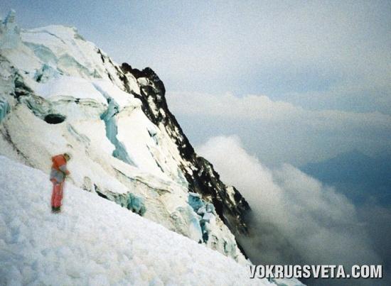 На склоне горы Гаяна Потоси