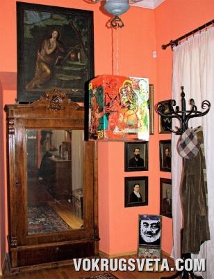 В музее Параджанова