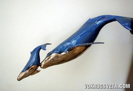 Фигурки китов