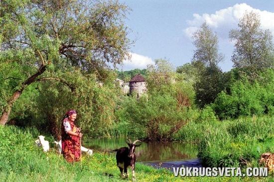 «Средневековая идилия» на берегу Смотрича