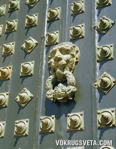 Ворота монастыря бенедектинцев