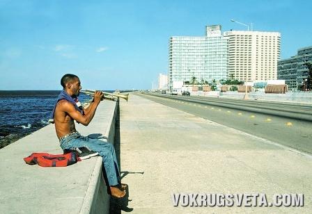 Куба. На набережной Малекон