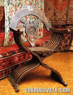 Восточное кресло
