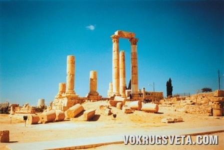 Развалины римского храма Геркулеса