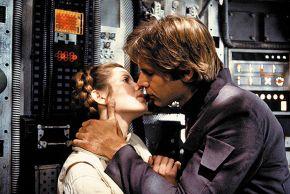 Любовь в «Звездных войнах» чиста и верна, как в рыцарских романах… Принцесса Лея (Кэрри Фишер) и Хэн Соло